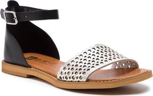 Sandały Nessi z płaską podeszwą ze skóry w stylu casual