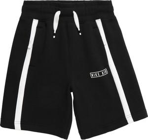 Czarne spodenki dziecięce Nike Sportswear