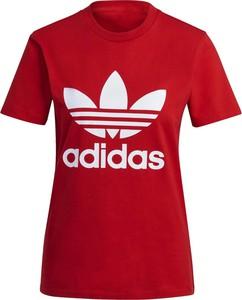 Czerwony t-shirt Adidas z okrągłym dekoltem