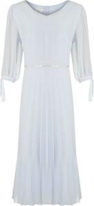 Sukienka poza.pl rozkloszowana z szyfonu w stylu casual