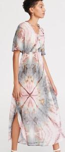 Sukienka Reserved z dekoltem w kształcie litery v w stylu casual