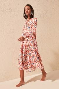 Różowa sukienka Trendyol z długim rękawem z dekoltem w kształcie litery v