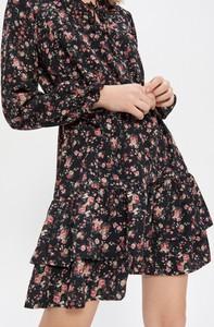 Sukienka House rozkloszowana mini w stylu casual