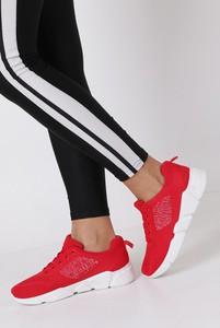 Buty sportowe Casu sznurowane z płaską podeszwą
