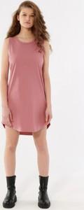 Różowa sukienka Outhorn z okrągłym dekoltem z dżerseju mini