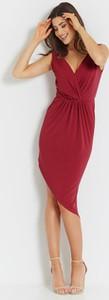 Czerwona sukienka Ivon z tkaniny asymetryczna midi