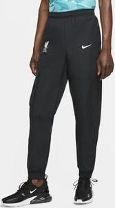 Spodnie sportowe Nike w sportowym stylu