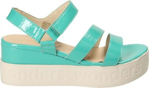 Miętowe sandały Wonders w stylu casual z klamrami