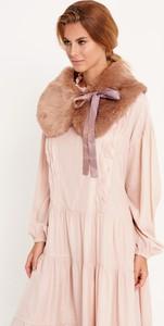 Różowa sukienka Byinsomnia w stylu boho