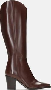 Brązowe kozaki Kazar ze skóry przed kolano