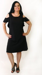 Czarna sukienka Oscar Fashion z okrągłym dekoltem trapezowa z krótkim rękawem