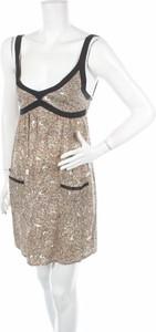 Sukienka Dotti w stylu casual z dekoltem w kształcie litery v