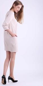 Brązowa sukienka Nommo z długim rękawem