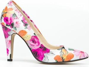 Szpilki Zapato ze spiczastym noskiem na szpilce w stylu klasycznym