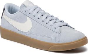 Trampki Nike sznurowane z płaską podeszwą