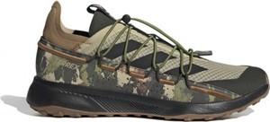 Zielone buty sportowe Adidas w sportowym stylu terrex