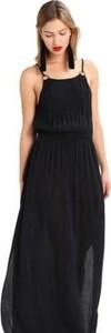Czarna sukienka Superdry maxi na ramiączkach z okrągłym dekoltem