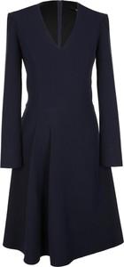 Niebieska sukienka Nife z dekoltem w kształcie litery v w stylu casual