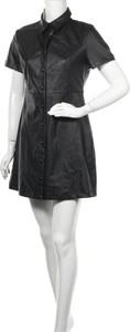 Czarna sukienka New Look z krótkim rękawem