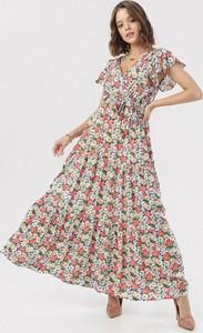 Sukienka born2be z odkrytymi ramionami w stylu boho z dekoltem w kształcie litery v
