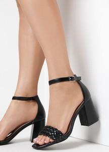 Czarne sandały born2be na wysokim obcasie ze skóry