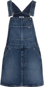 Sukienka Tommy Jeans w stylu casual z dekoltem w karo