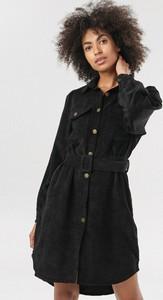 Czarna sukienka born2be mini koszulowa w stylu casual