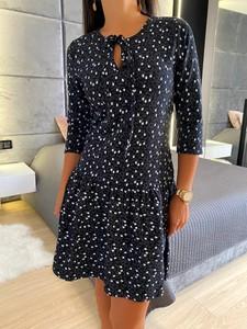 Czarna sukienka ModnaKiecka.pl trapezowa z długim rękawem w stylu casual