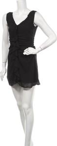 Czarna sukienka Page One mini bez rękawów z dekoltem w kształcie litery v