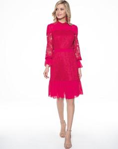 Czerwona sukienka L' Af z okrągłym dekoltem z długim rękawem midi