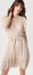 Sukienka born2be z dekoltem w kształcie litery v mini z długim rękawem