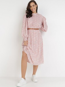 Sukienka born2be z długim rękawem midi z okrągłym dekoltem