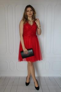Sukienka arioso.pl z dekoltem w kształcie litery v mini