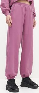 Fioletowe spodnie Reserved z dzianiny w sportowym stylu