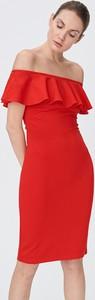 Czerwona sukienka Sinsay mini z odkrytymi ramionami w stylu casual