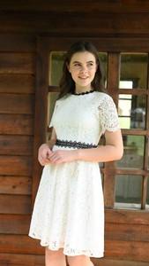 Sukienka Justmelove mini z krótkim rękawem z okrągłym dekoltem