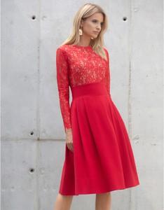 Czerwona sukienka Kasia Zapała z długim rękawem