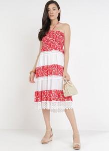 Czerwona sukienka born2be bez rękawów z okrągłym dekoltem midi