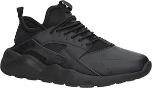 Czarne buty sportowe Casu sznurowane w sportowym stylu
