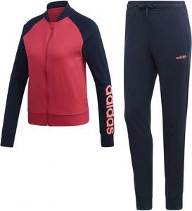 Adidas w sportowym stylu