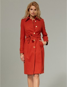 Czerwony płaszcz Kasia Zapała z tkaniny