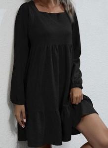 Czarna sukienka Cikelly z okrągłym dekoltem w stylu casual z długim rękawem