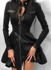 Czarna sukienka Cikelly mini sportowa z dekoltem w kształcie litery v