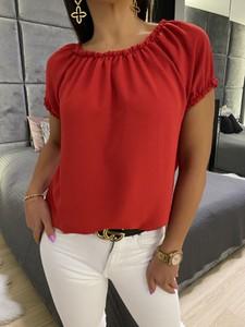 Czerwona bluzka ModnaKiecka.pl z okrągłym dekoltem z krótkim rękawem