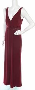 Czerwona sukienka Laundry By Shelli Segal z dekoltem w kształcie litery v na ramiączkach