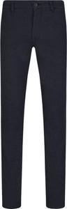 Czarne chinosy Hugo Boss w stylu casual z bawełny