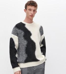 Sweter Reserved w młodzieżowym stylu