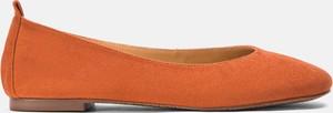 Pomarańczowe baleriny Kazar ze skóry z płaską podeszwą