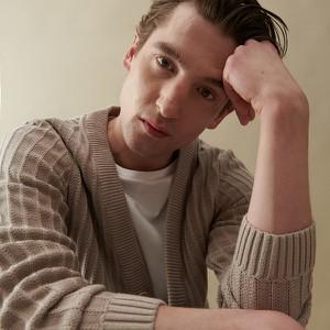Sweter Reserved z bawełny z okrągłym dekoltem