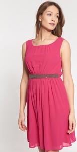 Różowa sukienka QUIOSQUE mini